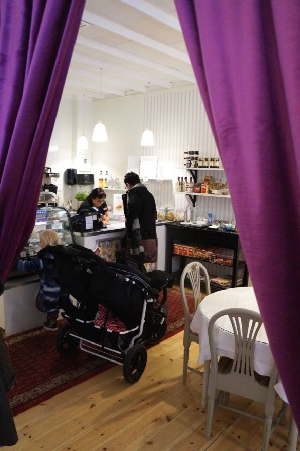 jennybenny mollys franska cafe karlstad